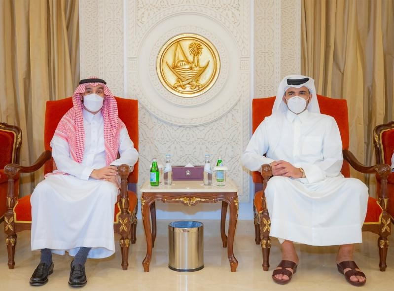 الفيصل ورئيس اللجنة الأولمبية القطرية