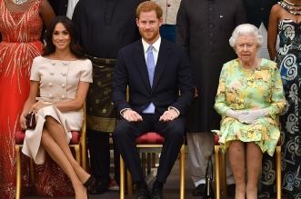 الملكة إليزابيث تنحي الأمير هاري عن واجباته رسميًا (2)