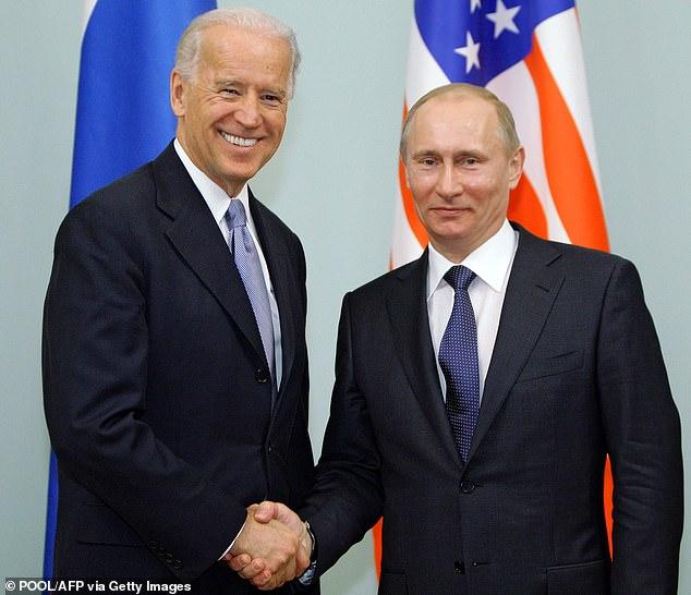 بايدن يرسل رسالة قوية إلى موسكو بقاذفات B1 (3)