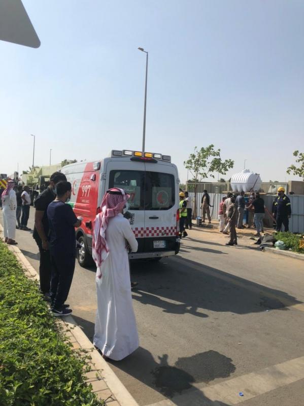حالتا وفاة و 10 مصابين إثر انهيار خزان أرضي في جدة - المواطن