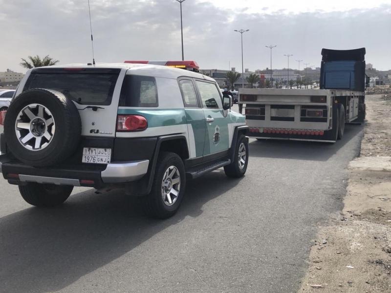 ضبط قائد شاحنة قادها بسرعة عالية جدًّا في عسير - المواطن