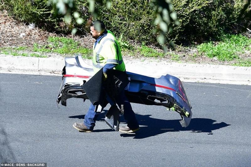 فيديو وصور يوثقان حادث تايغر وودز المروع (9)