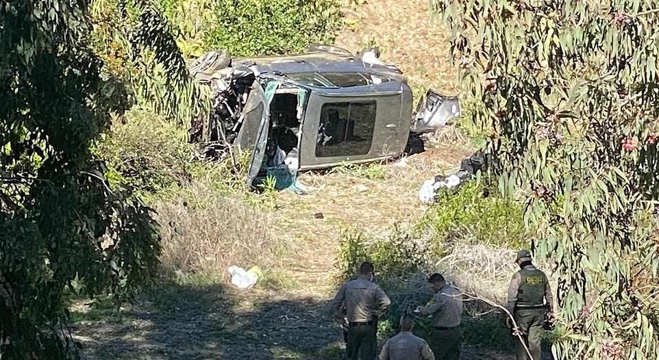 فيديو وصور يوثقان حادث تايغر وودز المروع