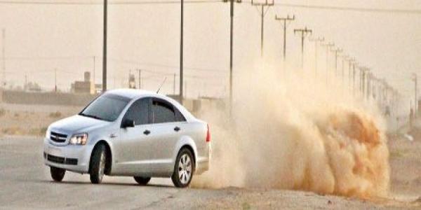 عراقي يلقي بزوجته من سيارة تسير بسرعة كبيرة