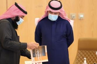 الحقيل يستقبل بلدي الرياض ويقف على أولويات السكان المواطنين