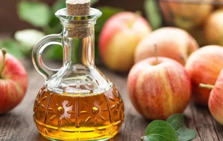 الغذاء والدواء: لا صحة لادعاءات فائدة تناول خل التفاح قبل وبعد الوجبات للجهاز الهضمي