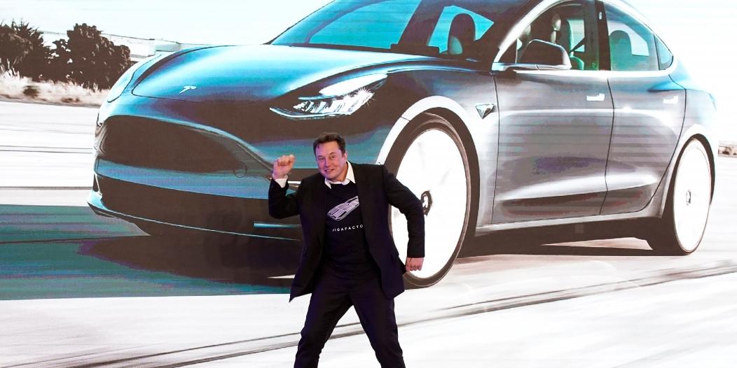 CNN: سر أرباح شركة تسلا ليس من بيع السيارات