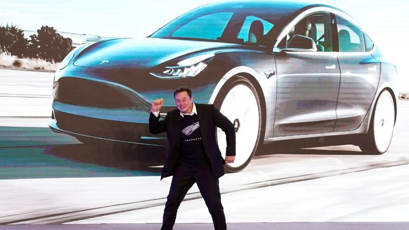 CNN سر أرباح شركة تسلا ليس من بيع السيارات (1)