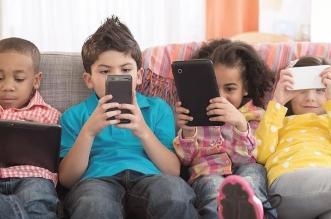 توصية بمراقبة عدد ساعات قضاء أبنائكم مع الأجهزة الذكية - المواطن