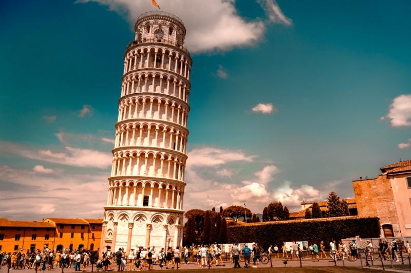 إيطاليا تعفي دولة عربية من ديونها (1)