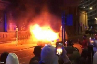 احتجاج سلمي يتحول إلى أعمال شغب في بريطانيا (3)