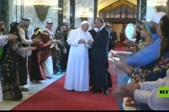 الدبكة والأهازيج العراقية تستقبل البابا فرنسيس في بغداد - المواطن