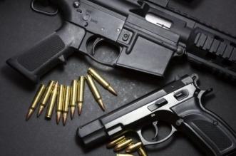 البيت الأبيض يدرس إصدار أمر تنفيذي بشأن حيازة الأسلحة