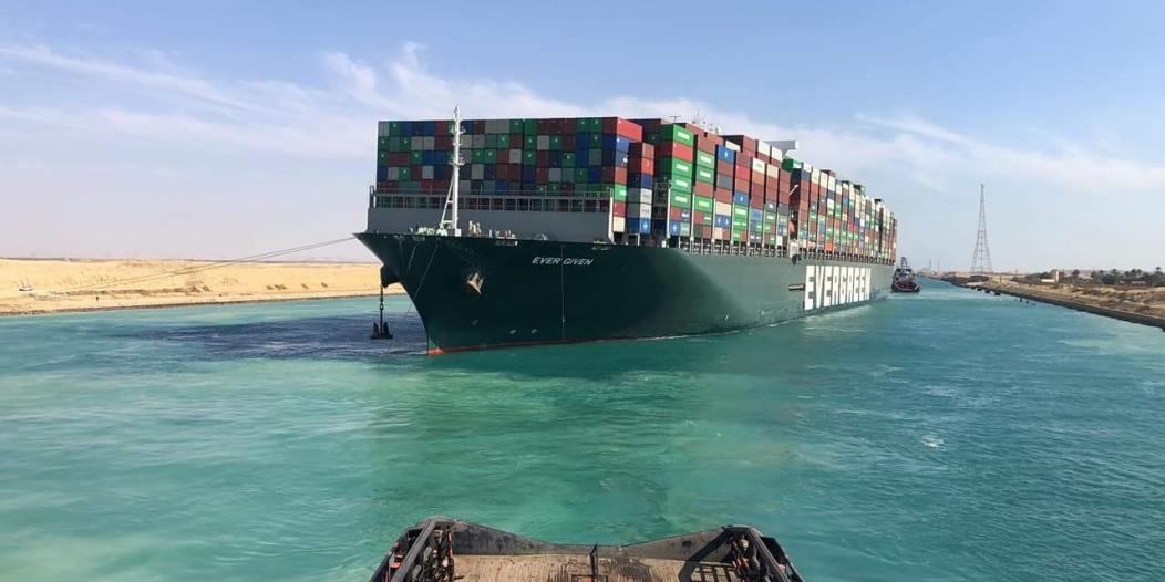 مصر تدرس توسيع قناة السويس وتكشف سبب احتجاز السفينة الجانحة