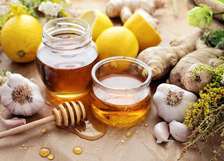 العسل والزنجبيل يقتلان الجراثيم أفضل من الأدوية