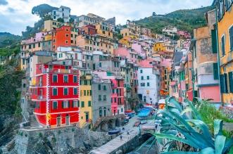 بلدة في إيطاليا تطرح المنازل بـ يورو واحد ! (1)