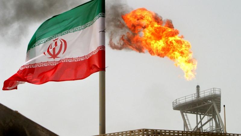 بلومبرغ إيران تهدد السوق النفطي