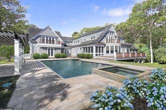 ترامب جونيور يبيع قصره كم بلغ ثمنه ؟