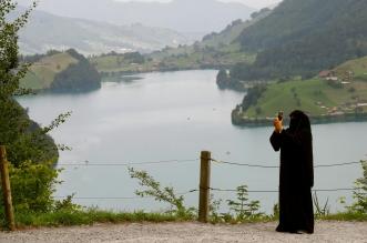 سويسرا تحظر ارتداء النقاب في الأماكن العامة (4)