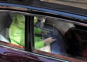 فيديو يوثق سلوك الملكة إليزابيث اللطيف تجاه ميغان ماركل