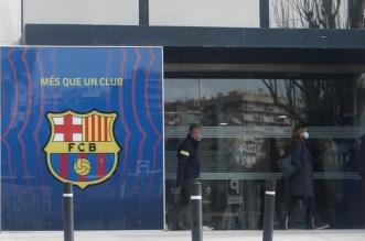 فيديو.. لحظة اعتقال رئيس نادي برشلونة السابق (2)