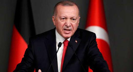 محلل تركي ينتقد أردوغان: كيف لمتقاعدين قيادة انقلاب؟!