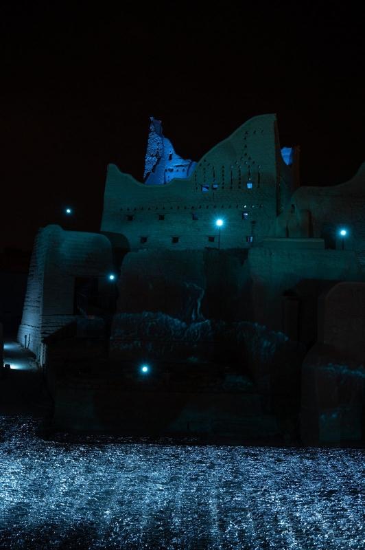 لقطات لحي الطريف التاريخي مساءً ضمن مهرجان نور الرياض - المواطن
