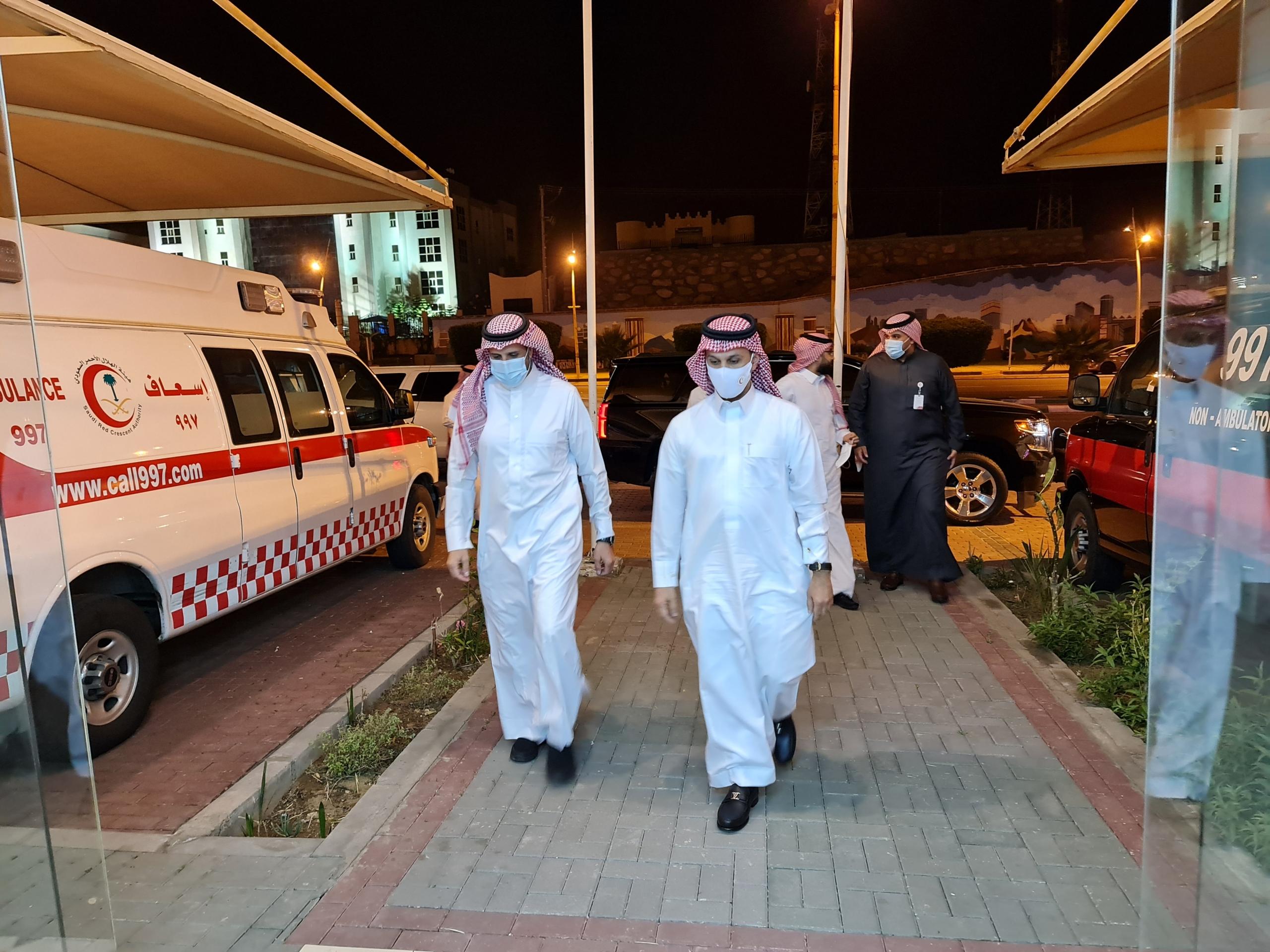 رئيس الهلال الأحمر يتفقد مشروعي إدارة التدريب والتموين الطبي الجديد بعسير - المواطن
