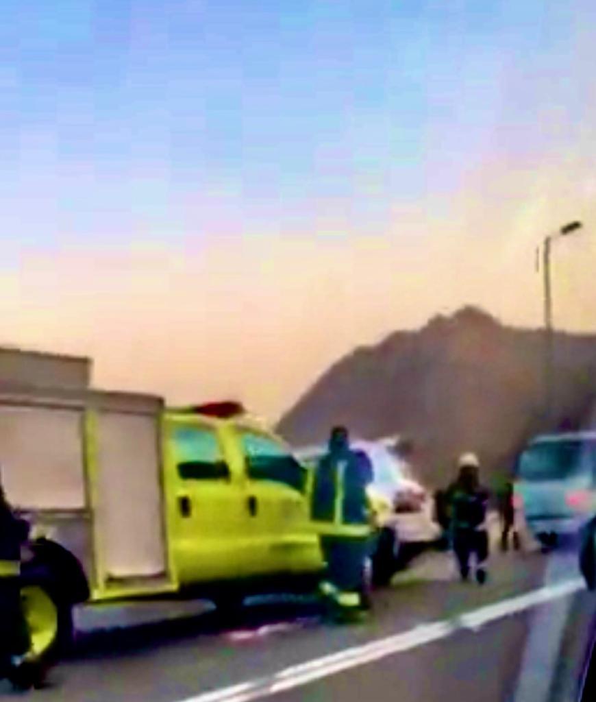 الجهات الأمنية تباشر حادثاً وقع بعقبة ضلع غرب مدينة ابها