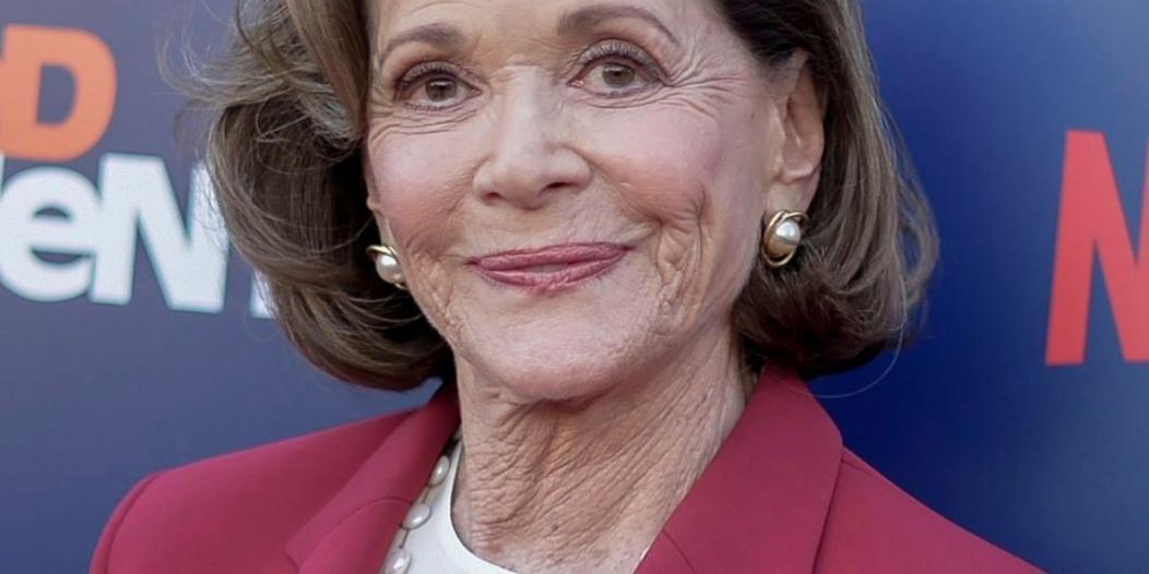 وفاة Jessica walter أشهر من أدت دور الجدة في أريستد ديفيلوبمنت