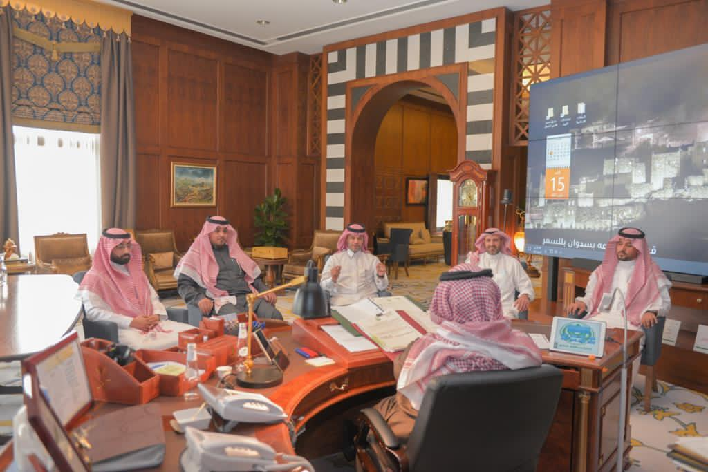 رئيس هيئة الهلال الأحمر السعودي في زيارة لمنطقة عسير