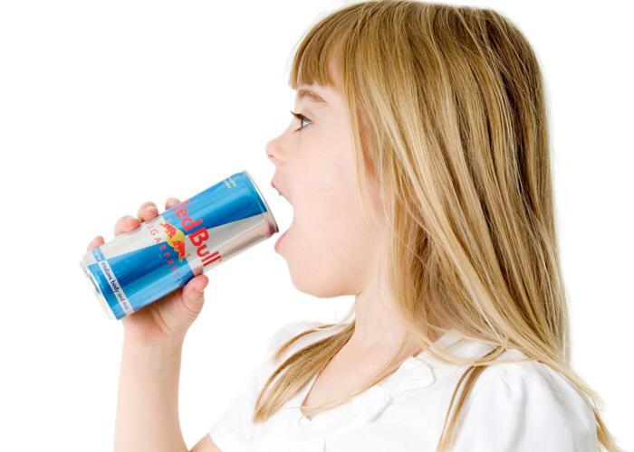 تحذير جديد من مشروبات الطاقة بعد وفاة شاب بريطاني