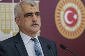 تركيا تعتقل نائبًا مؤيدًا للأكراد بعد اعتصامه داخل البرلمان - المواطن