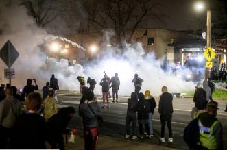 احتجاجات عارمة في الولايات المتحدة بعد حادث قتل جديد (1)