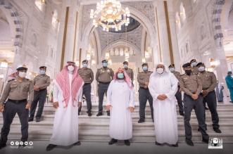 السديس يتفقد نقاط التفويج والفرز أمام باب الملك عبدالعزيز - المواطن