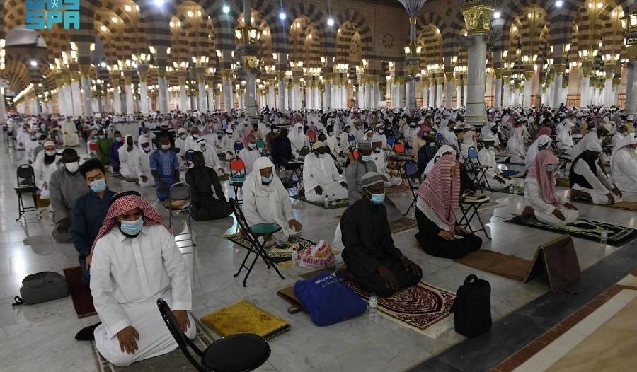 الشؤون الإسلامية تؤكد: 10 دقائق بين الأذان والإقامة إلا الفجر وساعتان بين المغرب والعشاء