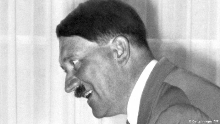 باحثون يعثرون على كنز هتلر في بولندا (2)