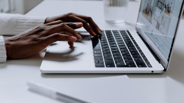 تحديث macOS الجديد يحمي حواسيب آبل (2)