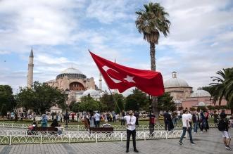 تركيا تعود تدريجيًا إلى الحياة الطبيعية رغم ارتفاع الإصابات