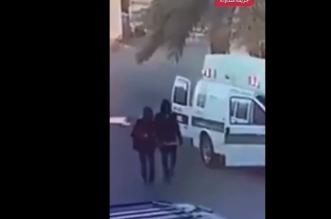 القبض على شخصين سرقا هاتفًا من سيارة إسعاف في تبوك - المواطن