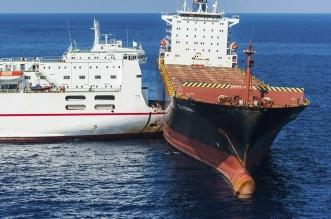 فيديو.. ناقلة نفط تصطدم بسفينة شحن