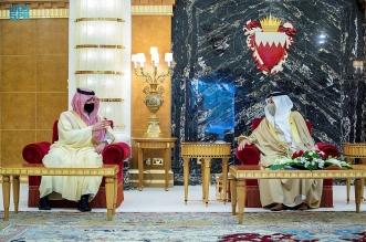 ملك البحرين يستقبل سمو الأمير عبدالعزيز بن سعود