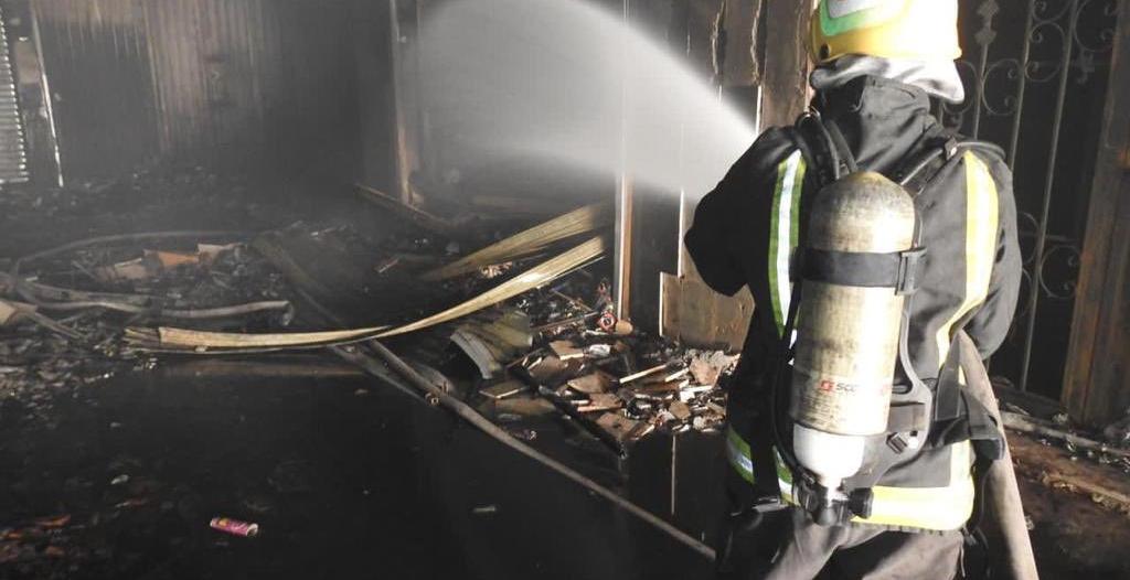 وفاة و5 إصابات في حريق محل تجاري بالرياض