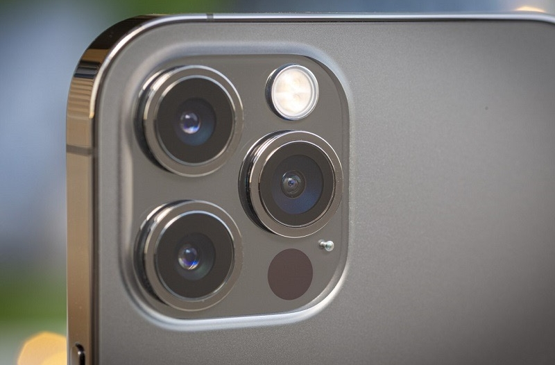 كاميرا أجهزة آيفون 14 ستكون بدقة 48 ميجا بكسل