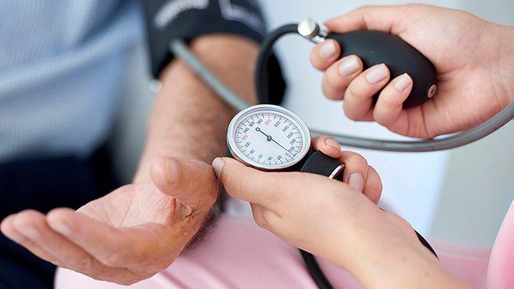4 أعراض نادرة تدل على ارتفاع ضغط الدم الخطير (3)