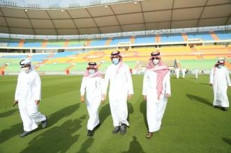 وزير الرياضة في ملعب عبدالله الفيصل