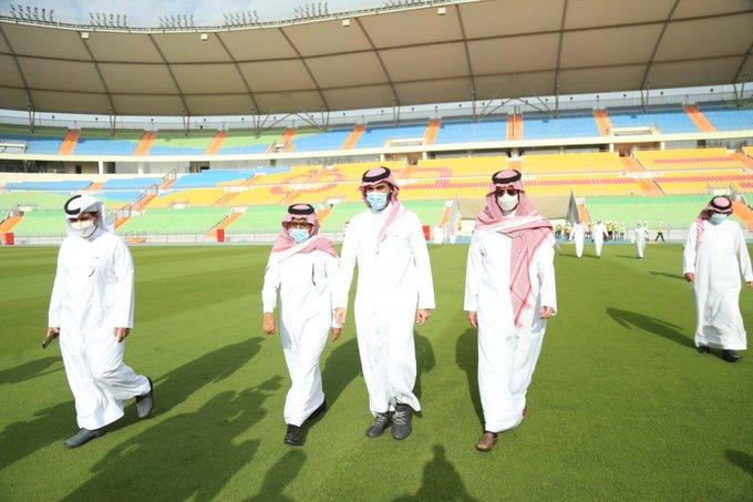 لقطات لـ زيارة وزير الرياضة لـ ملعب عبدالله الفيصل