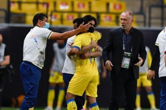 عبدالفتاح عسيري لاعب النصر يحتفل بهدفه