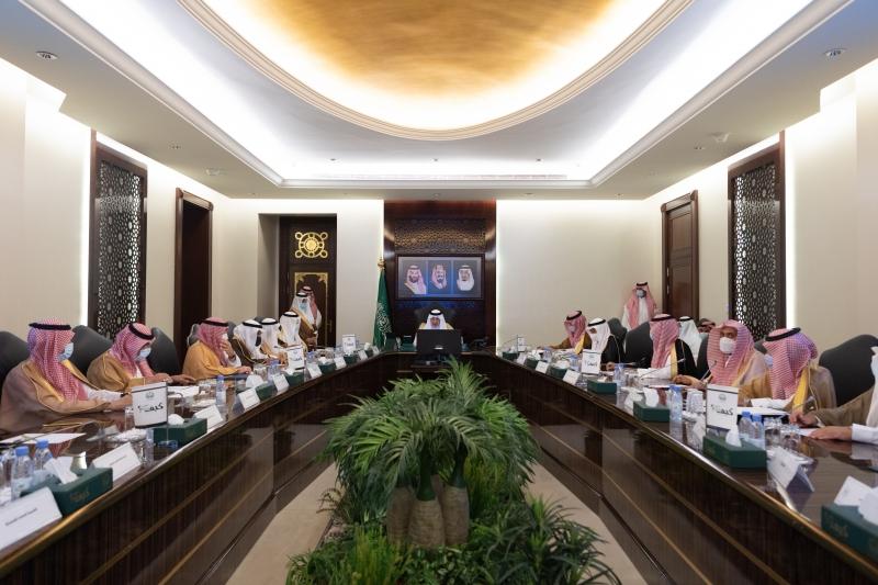 الفيصل يستعرض خطة العمرة ورئاسة الحرمين والطيران المدني - المواطن