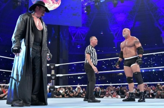 WWE يدرس العودة إلى السعودية هذا العام